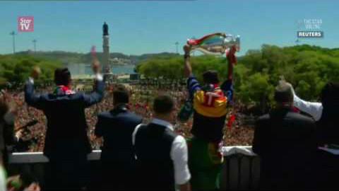 【2016欧洲杯】葡萄牙国内冠军大巡游 - AcFu