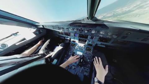 全景摄像头拍摄飞机驾驶舱仓内起飞到降落的情景