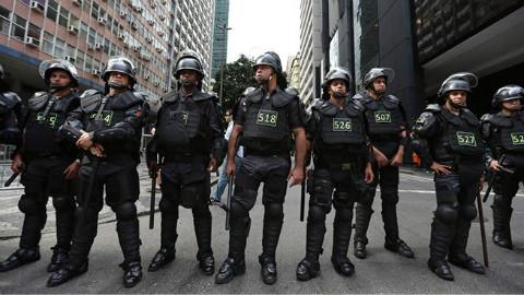 国外警察执法实录(2) 4 - AcFun弹幕视频网 - 认