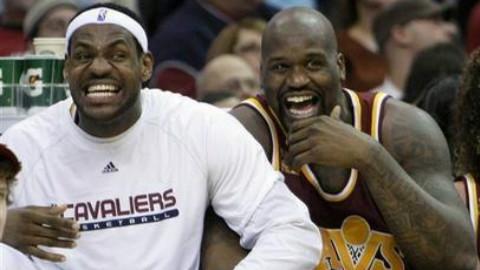第二个笑抽了!篮球场上七大爆笑瞬间[篮球花絮]