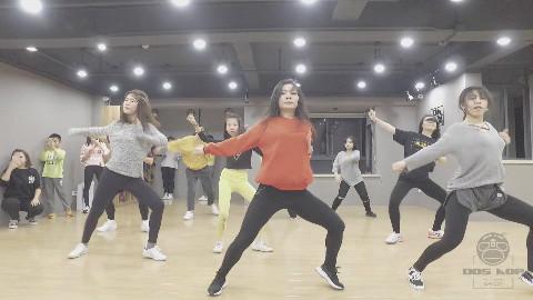 DosHop舞蹈练习室-还在为李泽言氪金?