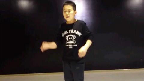 天津零下舞度街舞崔旺老师少儿学员周圣捷个人POPPING练习视频