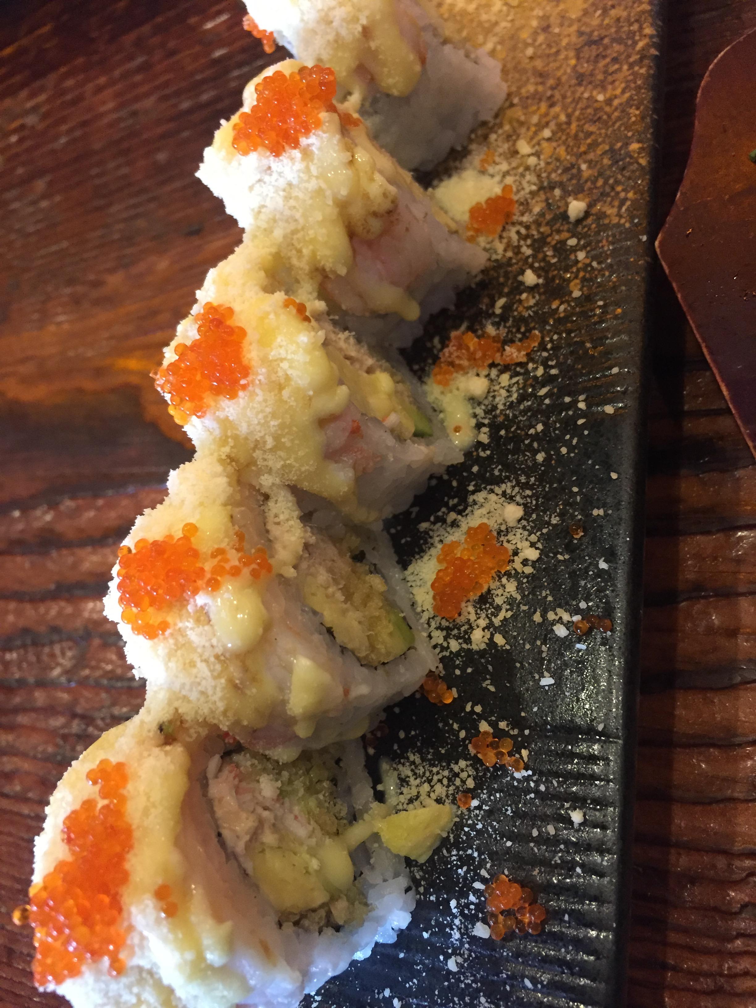 营造出一种类似薄荷的清爽感觉.蟹子的咔叽咔叽味道和内部一小块类