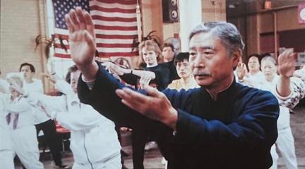 【父親三部曲】李安處女作《推手》,這部30年前的電影道盡了現代父子關系,必看經典系列