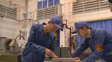 大國工匠之火藥雕刻師:一刀切削0.15毫米