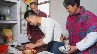 """厨师长汉源之行探寻""""坛子肉"""",存放一年也不变质的传统川菜"""
