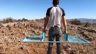 26岁小伙发明搬运神器,50元造一台,不用油电,这下发财了