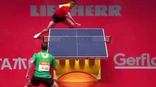 好家伙,乒乓球硬是玩成羽毛球