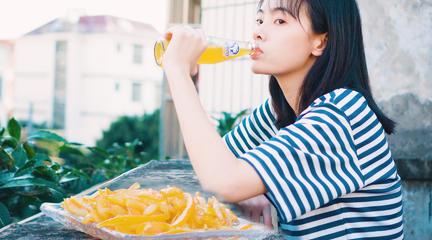 童年夏天的味道,一瓶透心北冰洋、一口甜甜的橙皮糖!