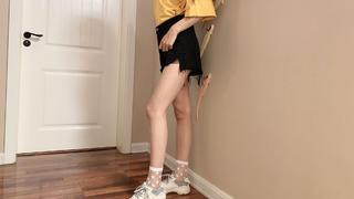 jk水晶短袜,搭配黑色短裤好好看